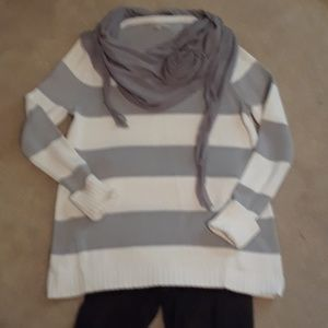 Gray and white sweater with scarf